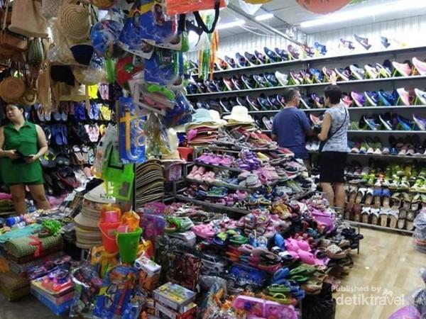 Gerai-gerai di pasar Hoangsa