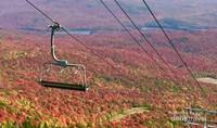 Pemandangan dari puncak Gunung Orford di Provinsi Quebec.