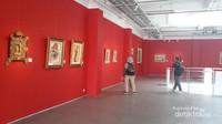 Museum ini terdiri dari 3 lantai yaitu ruang pameran seni, lukisan seniman Indonesia dan Eropa.