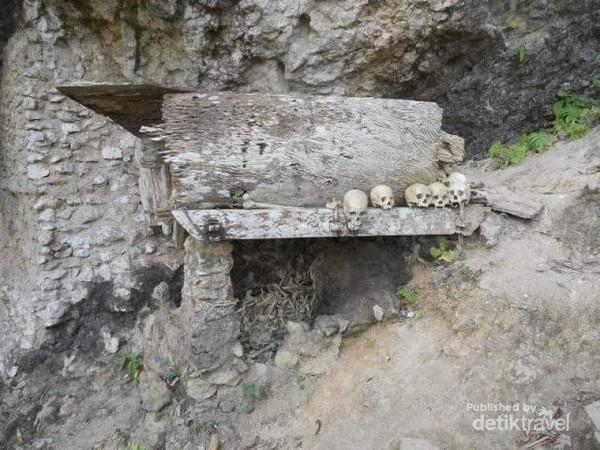 Tengkorak di pemakaman tebing, bisa ditemukan di Londa Desa Sandan Uai, Kecamatan Sanggalangi, Kabupaten Toraja Utara, Sulawesi Selatan.