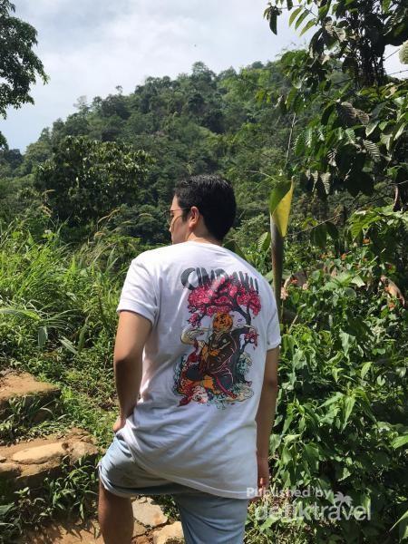 Tanjakan pertama di tengah keindahan alam Gunung Gede Pangrango