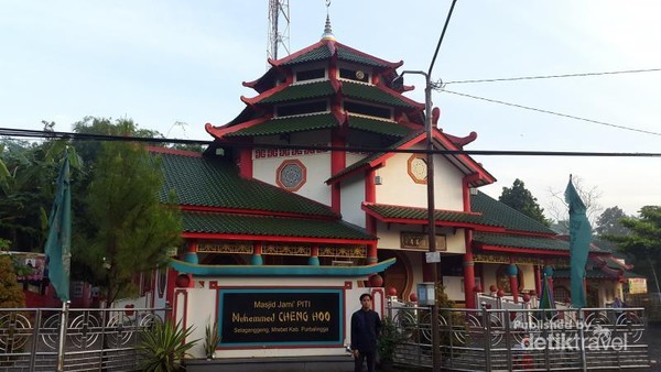 Alamat masjid ini di Dusun 3, Selaganggeng, Kecamatan. Mrebet, Kabupaten Purbalingga, Jawa Tengah 53352.