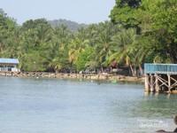 Menuju Desa Sarpokren hanya 40 menit dari Kota Waisai menggunakan transportasi darat.