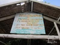 Bagi yang ingin menginap, desa ini menyediakan homestay dengan tarif Rp 500 ribu yang telah termasuk makan 3 kali, melihat cenderawasih dan snorkeling