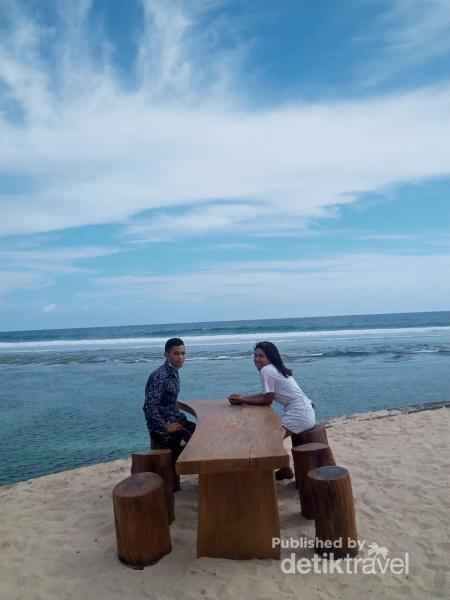 Tempat yang ideal untuk bersantai, latar Samudra Hindia