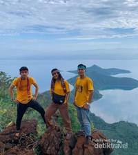 Pulau Padamarang, terletak di gugusan pulau di Teluk Bone yang berada dekat dengan daratan Kolaka.