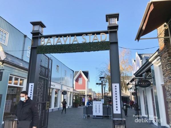Tampak salah satu gerbang masuk Batavia Stad.