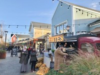 Penjual kentang goreng pun laris saat pandemi, karena banyak restoran yang tutup.
