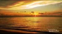 Senja di pantai Batakan