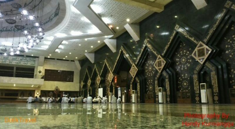 Wisata Religi ke Masjid Agung At Tin di Komplek TMII