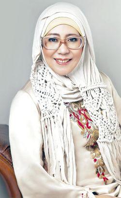 Jeny Tjahyawati, 10 Tahun Konsisten Merancang Busana Muslimah