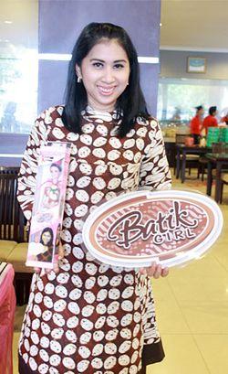 Lusia Efriana, Socialpreneur yang Berdayakan Napi Untuk Desain Boneka Batik