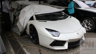KPK Titipkan 16 Kendaraan Mewah Bupati Latif di Rupbasan