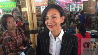 Wanda Hamidah Sindir Ahmad Dhani soal Pengusiran di Surabaya