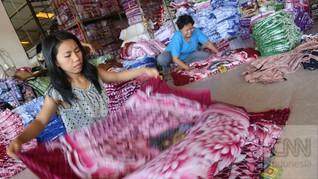 Menanti 'Kemesraan' Perancang Busana dan Produsen Tekstil
