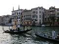 Kedatangan Banyak Turis, Warga Venesia Ajukan Protes