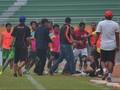 Bonek: Sepak Bola Indonesia Dikangkangi Premanisme