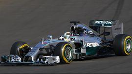 Hamilton dan Kisah Perjudian Pindah ke Mercedes