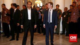 Stamina Lima Menit, Blusukan Cara Zuckerberg