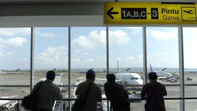 'Taksi Online' Dilarang Masuk Bandara Ngurah Rai