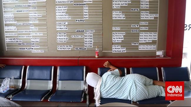Meski demikian, selama ini sudah tercatat ada 86,4 juta jiwa penerima bantuan layanan kesehatan cuma-cuma untuk kalangan tidak mampu dari BPJS. (CNN Indonesia/Safir Makki)