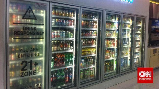 Tak Boleh Minum Bir Sebelum Umur 21 Tahun