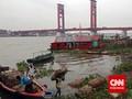 Jembatan Ampera Ditutup, Warga Naik Getek ke Kampanye Prabowo