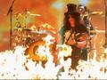 Guns N' Roses Gelar Konser dan Tur Setelah 23 Tahun 'Tidur'