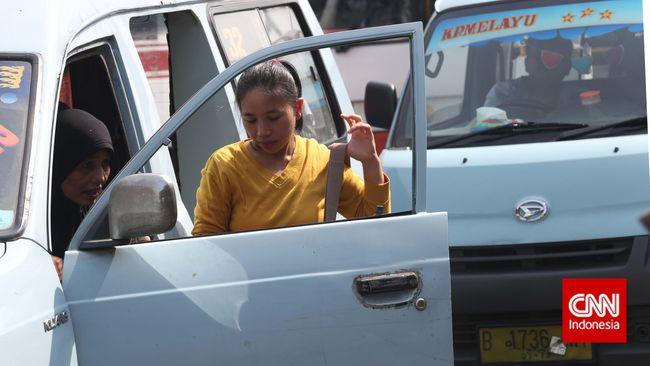 Angkutan Umum Dipaksa di Bawah TransJakarta agar Tarif Murah