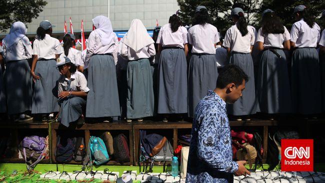 Drama 'Hijaber' di Era Soeharto