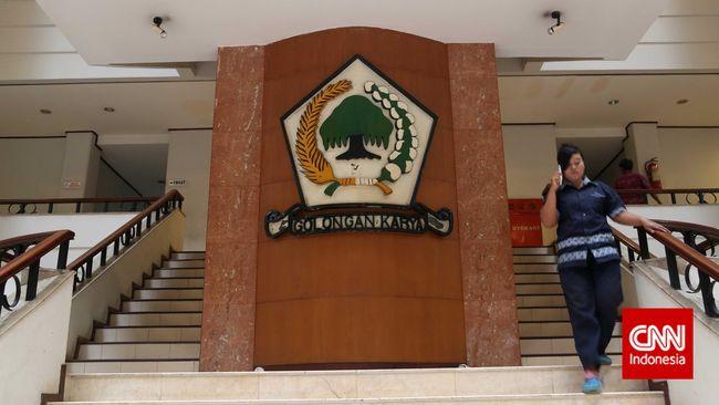 Tokoh SOKSI Harap Kader Golkar Dengarkan Sinyal Jokowi