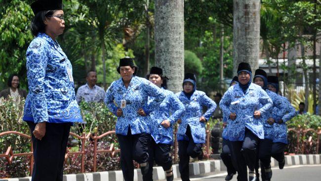 Jokowi Kembali Naikkan Tunjangan PNS di 3 Kementerian