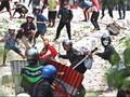 Kronologi Bentrok Polisi Versus Warga di DPRD Luwuk, Sulteng