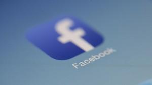 Facebook Lacak Penggunanya untuk Pantau Persebaran Corona