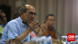 Faisal Basri Sebut Izin Impor Mendag Bikin Ekonomi 'Bobol'