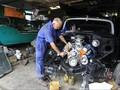 Rajin Panaskan Mesin, Jaga Kualitas Onderdil Mobil Antik