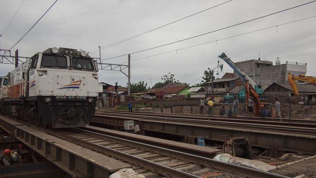 Harga Bensin Turun, Pemerintah Turunkan Harga Tiket 11 Kereta
