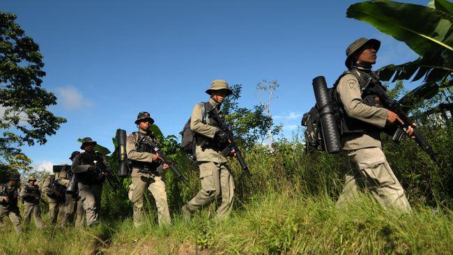 Polisi Bekuk Tujuh Teroris Anak Buah Santoso