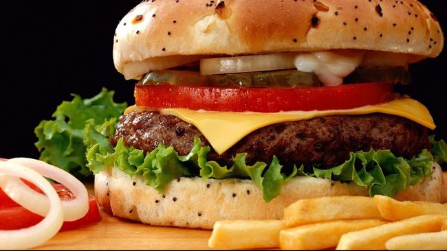 Burger Tertua di Dunia Ini Disimpan Selama 20 Tahun