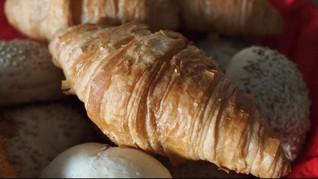 Passion dan Ketekunan Jadi Kunci Sukses Usaha Roti Jenny