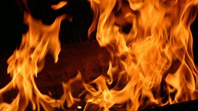 Kebakaran di Kolong Tol Pluit, Lalin ke Bandara Dialihkan