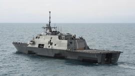 Kapal Perang AS Berlayar di Selat Taiwan, China Berang