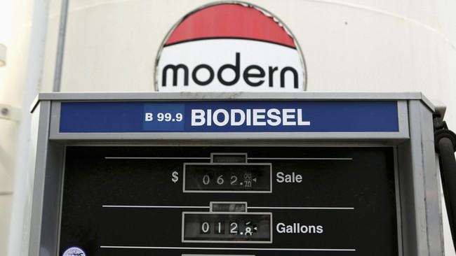 Biaya per galon biofuel terlihat di stasiunpengisian bahan bakar alternatifDogpatch, San Francisco, California (8/1). Biodiesel disebut-sebut sebagai bahan bakar alternatif masa depan di tengah sumber daya fosil yang semakin terbatas. (Robert Galbraith)