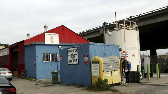 Pemandangan umum stasiun pengisian bahan bakar alternatif Dogpatch di San Francisco, California (8/1).(Robert Galbraith)