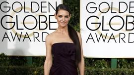 Katie Holmes Beri Isyarat Reuni Para Bintang 'Dawson's Creek'