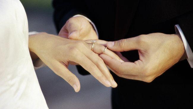 Pernikahan Usia Anak Masih Marak di Indonesia