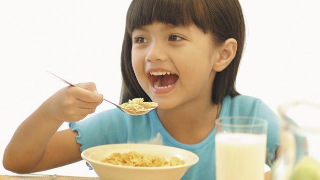 Anak-anak Jangan Hanya Diberi Makan Karbohidrat