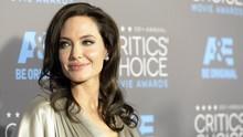 Angelina Jolie Tinjau Kampus Anak di Korea Jelang Kuliah