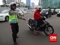 Polisi Masih Bingung Pria Emosi Rusak Motor Marah ke Siapa