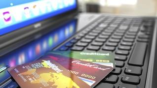 Jangan Asal Gesek, Belanja Online dengan Kartu Kena Biaya
